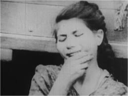 La lotta per la democrazia continua, 1956, fotogramma