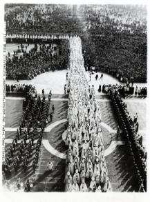 Il Concilio Vaticano II. Processione dei padri conciliari in San Pietro, 1962